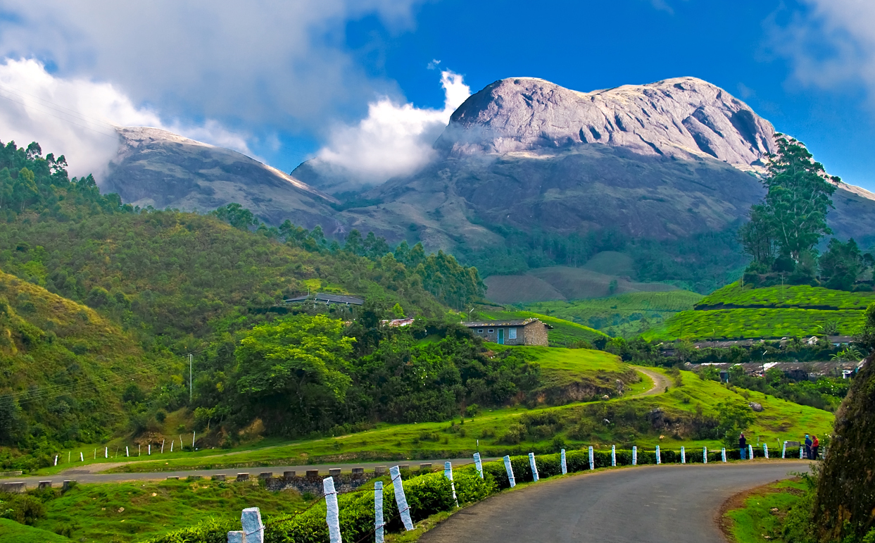 Kerala on Two Wheels - The 10 most beautiful places to cycle